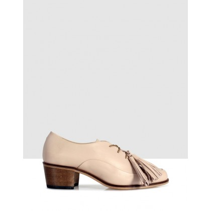 Bensley Court Shoes Beige by Beau Coops