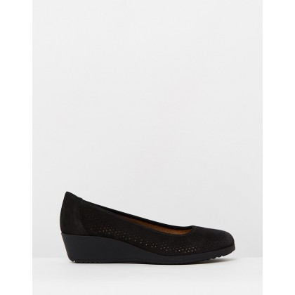 Betina 2 Black by Naturalizer