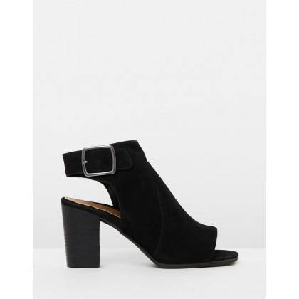 Blakely Booties Black by Vionic