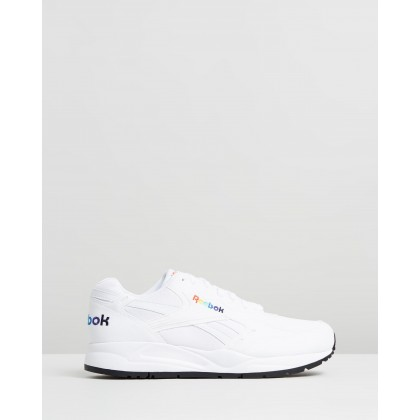 Bolton Essential - Men's White & Black by Reebok