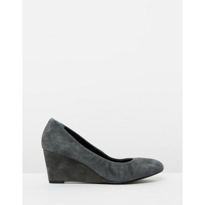 Camden Wedges Dark Grey by Vionic
