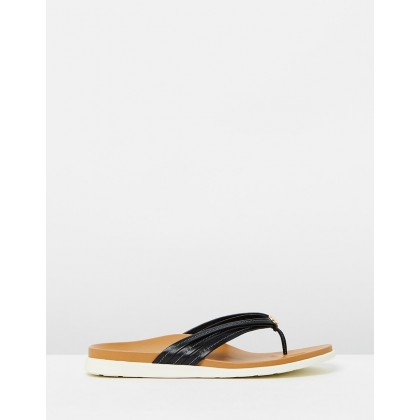 Catalina Toe Post Sandals Black by Vionic