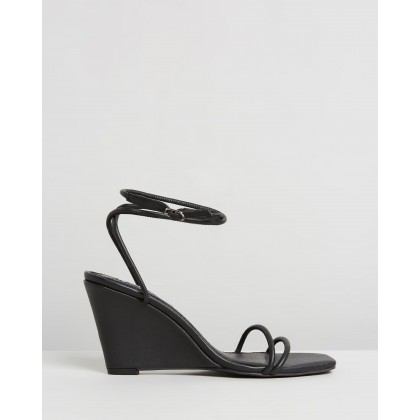 Chloe Wedges Black by Caverley