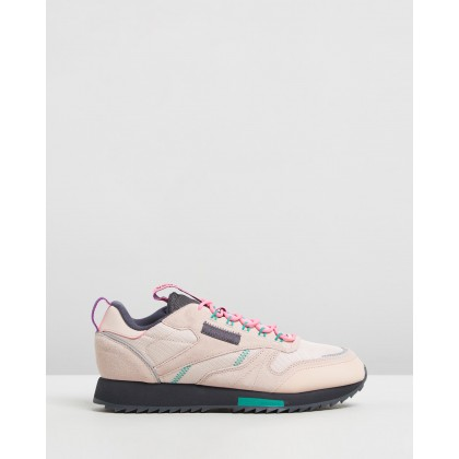 CL Leather Ripple Trail - Women's Buff, True Grey 8 & Pantone by Reebok Classics