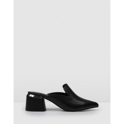 Concur Low Heels Black Leather by Jo Mercer