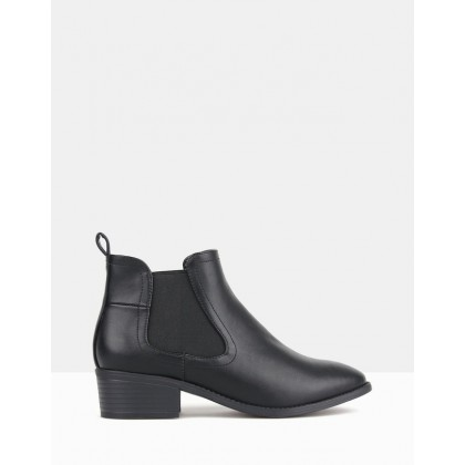 Damn Chelsea Boots Black PU by Betts
