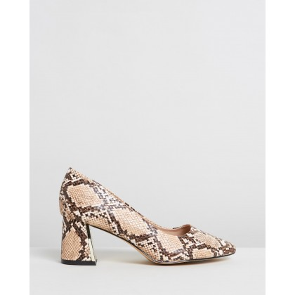 Daydream Courts - Wide Fit Animal by Dorothy Perkins