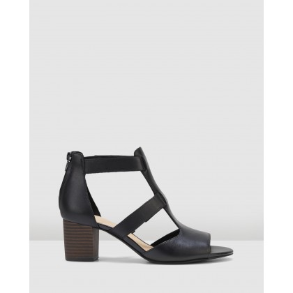 Deloria Fae Black Leather by Clarks