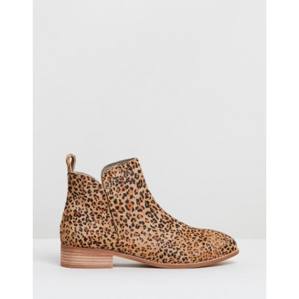 Douglas Boots Pony Leopard by Walnut Melbourne
