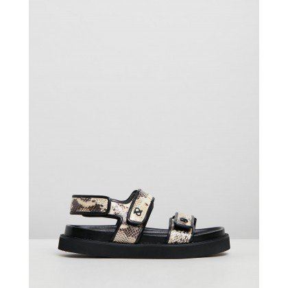 Eden Fussbett Sandals Snake by Camilla And Marc