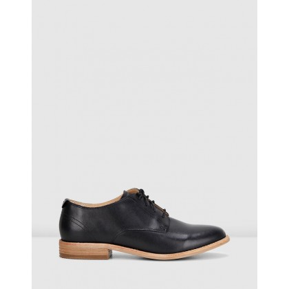 Edenvale Ash Shoes Black Leather by Clarks