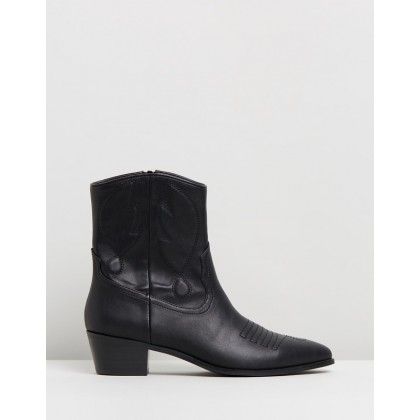 Ember Ankle Boots Black Smooth by Spurr