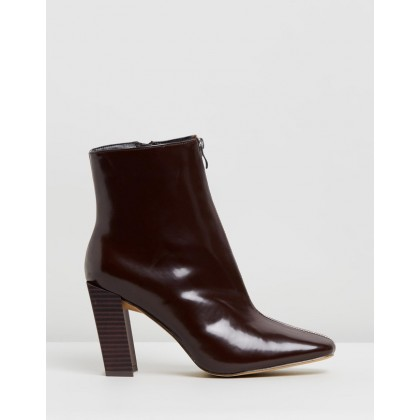 Feature Heel Zip Boots Burgundy by Missguided