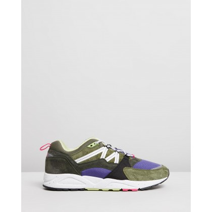 Fusion 2.0 - Men's Forest Night & Bright White by Karhu