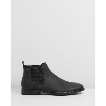 Gillingham Gusset Boots Black by Staple Superior