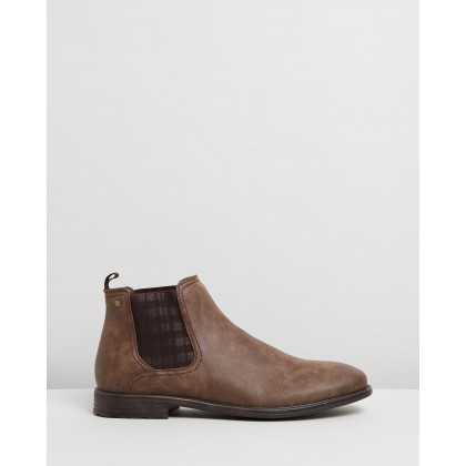 Gillingham Gusset Boots Brown by Staple Superior