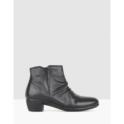 Ginny Leather Ankle Boots Black by Airflex