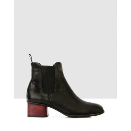 Ginosa Ankle Boots Black by Sempre Di