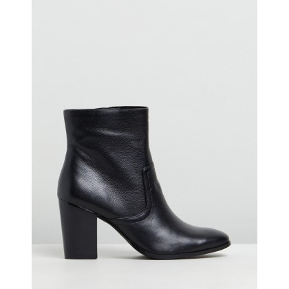 Gisele Leather Ankle Boots Black Textured Leather by Atmos&Here