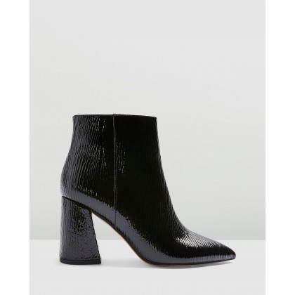 Hackney Point Boots Black by Topshop