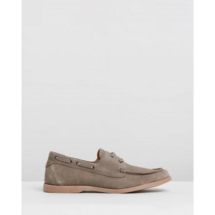 Hardwick Suede Deck Shoes Sand by Double Oak Mills