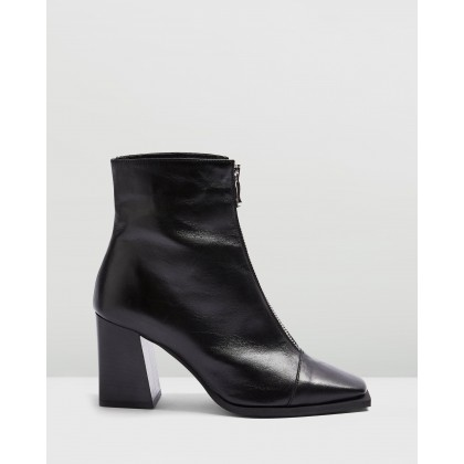 Heidi Zip Boots Black by Topshop