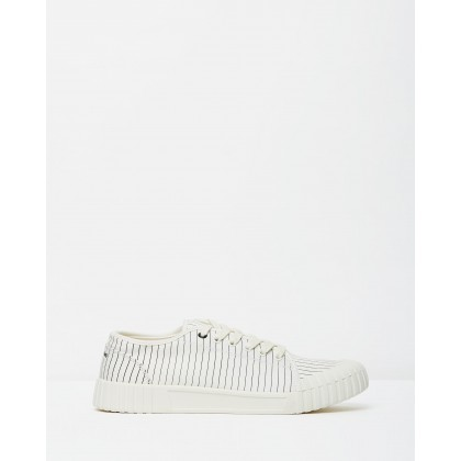 Hurler Low - Unisex White by Good News