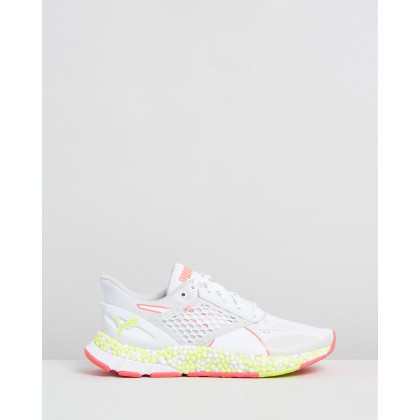 Hybrid Astro - Women's White, Yellow Alert & Pink Alert by Puma