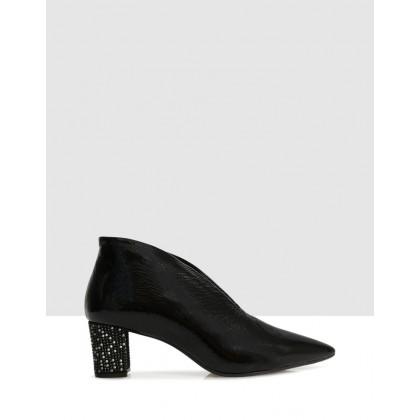 Iole Courtshoes Black by Sempre Di
