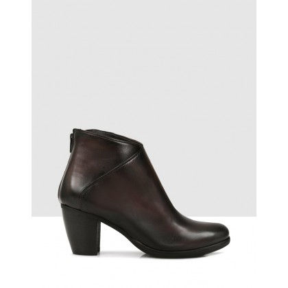 Jacinta Ankle Boots Brown by Sempre Di