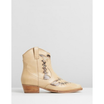 Jacky-Jo Western Boots Cappuccino by Bronx