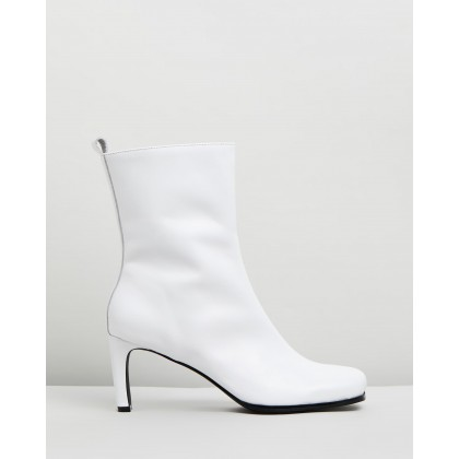 Jeanne Leather Ankle Boots White by Atmos&Here