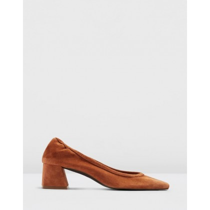 Jemima Soft Low Back Shoes Tan by Topshop