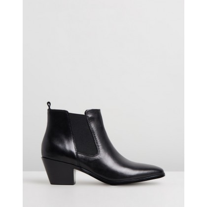 Jojo Black Leather by Nine West