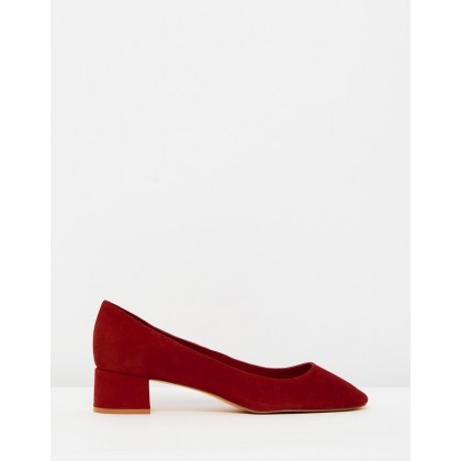 Lacy Pumps Red by M.N.G