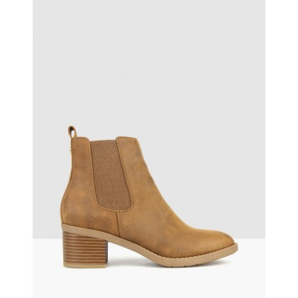 Lee Chelsea Ankle Boots Tan by Betts