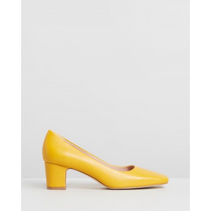 Leigh Leather Pumps Mustard Leather by Atmos&Here