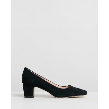 Leigh Leather Pumps Black Suede by Atmos&Here