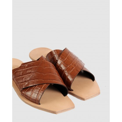 Lisette Flat Sandals Brown by Beau Coops