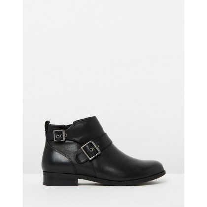 Logan Booties Black by Vionic