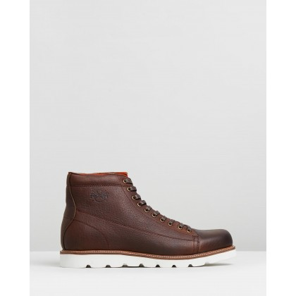 Logan Boots Brown by R&A