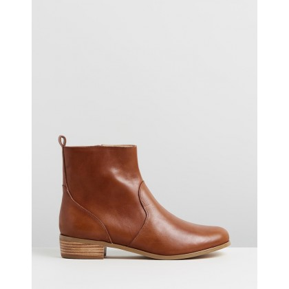 Lola Leather Ankle Boots Tan Leather by Atmos&Here