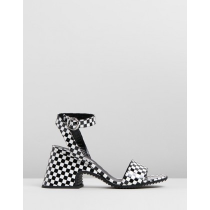 Lydia Sandals Black & White by Mcq By Alexander Mcqueen