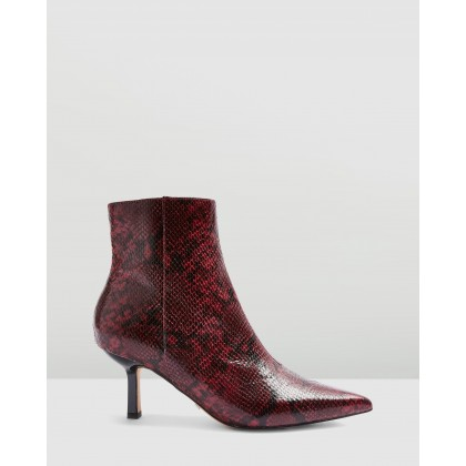 Maci Point Boots Burgundy by Topshop