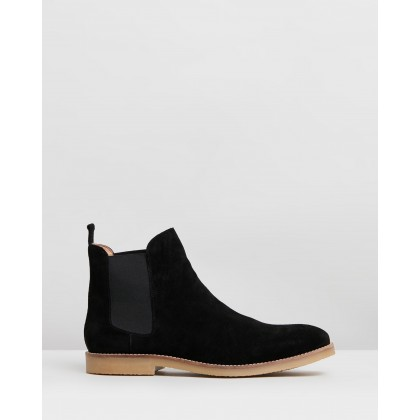 Malmo Suede Gusset Boots Black by Staple Superior