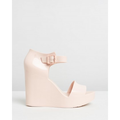 Mar Wedges Nude Gloss by Melissa