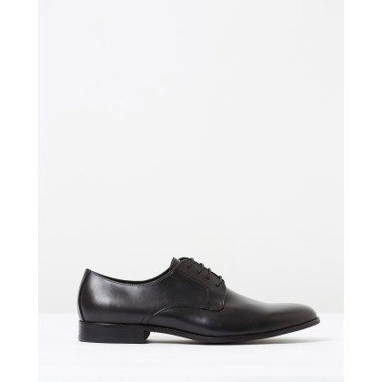 Marlowe Derby Black by Saba