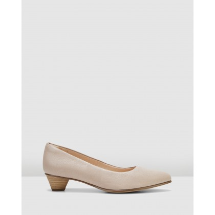 MENA BLOOM Sand Leather by Clarks