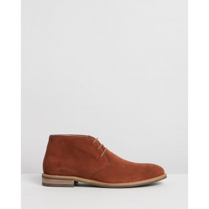 Mendy Suede Desert Boots Rust by Double Oak Mills