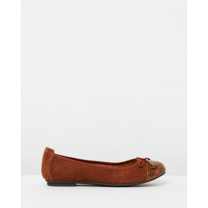 Minna Ballet Flats Saddle Snake by Vionic